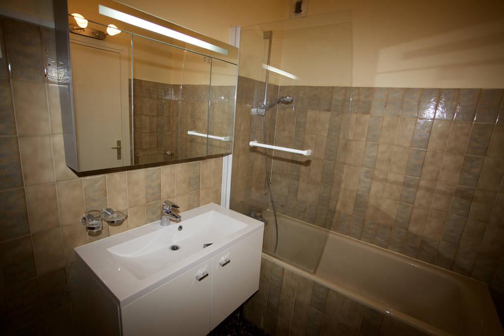 location studio 39 m versailles 39 m 960 e de particulier particulier pap. Black Bedroom Furniture Sets. Home Design Ideas