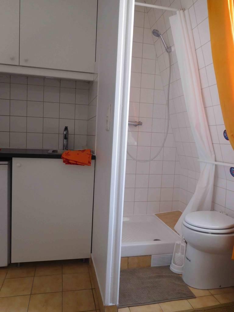 location meubl e chambre 12 m paris 10e 12 m 485 de particulier particulier pap. Black Bedroom Furniture Sets. Home Design Ideas