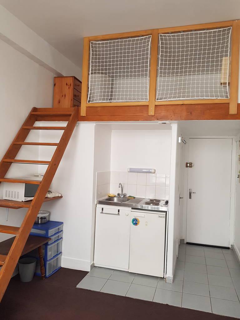 location meubl e studio 13 m paris 12e 13 m 590 de particulier particulier pap. Black Bedroom Furniture Sets. Home Design Ideas