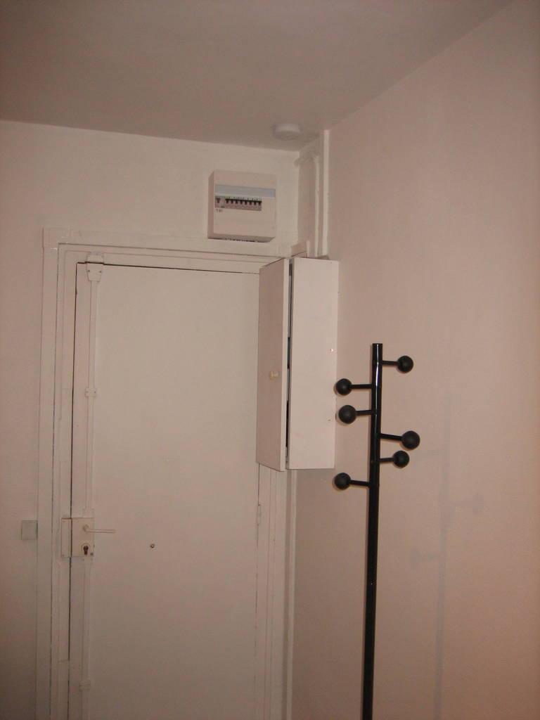 location meubl e studio 13 m paris 19e 13 m 499 de particulier particulier pap. Black Bedroom Furniture Sets. Home Design Ideas