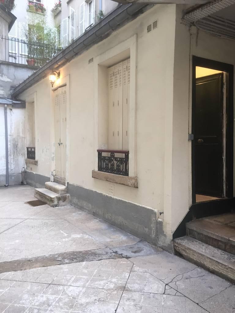 Location appartement 2 pi ces 27 m paris 18e 27 m 1 for Garage alfortville rue veron