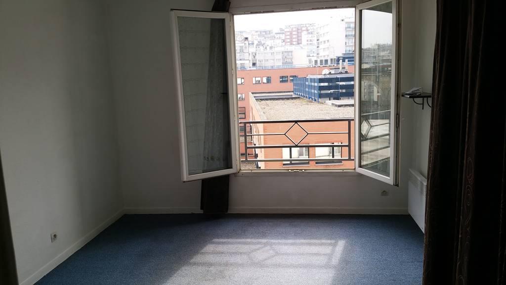 location studio 20 m issy les moulineaux 92130 20 m 715 e de particulier particulier. Black Bedroom Furniture Sets. Home Design Ideas