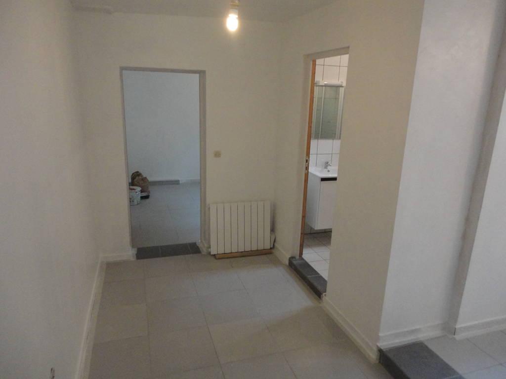 location appartement 2 pi ces 33 m auvers sur oise 95430 33 m 700 e de particulier. Black Bedroom Furniture Sets. Home Design Ideas