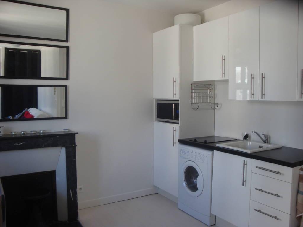location meubl e studio 18 m paris 16e 18 m 650 e de particulier particulier pap. Black Bedroom Furniture Sets. Home Design Ideas