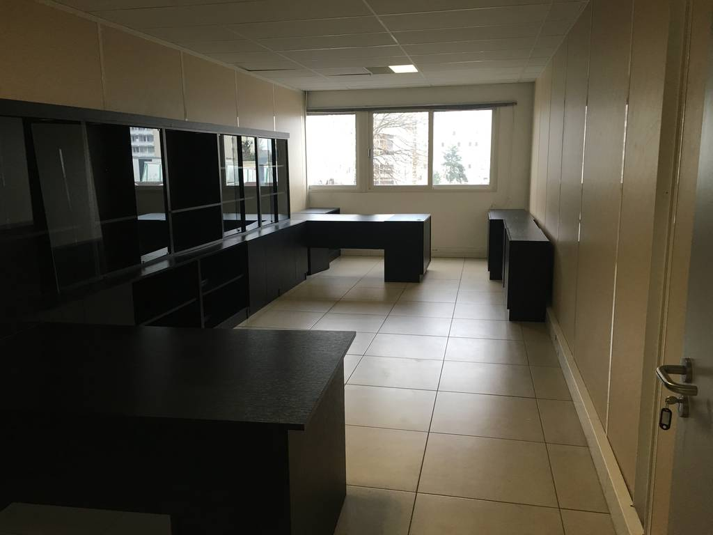 location bureaux et locaux professionnels 31 m alfortville 94140 31 m e de. Black Bedroom Furniture Sets. Home Design Ideas