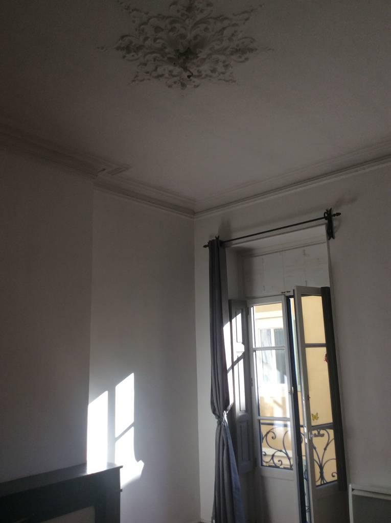 location appartement 2 pi ces 43 m nimes 30 43 m. Black Bedroom Furniture Sets. Home Design Ideas