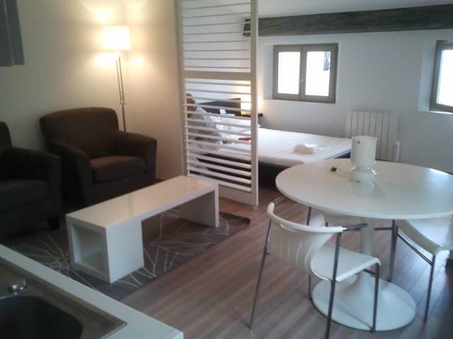 location meubl e studio 25 m grasse 06 25 m 595 e de particulier particulier pap. Black Bedroom Furniture Sets. Home Design Ideas