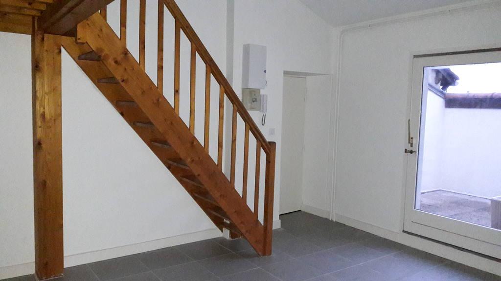 location appartement 3 pi ces 79 m villefranche sur saone 69400 79 m 750 e de. Black Bedroom Furniture Sets. Home Design Ideas