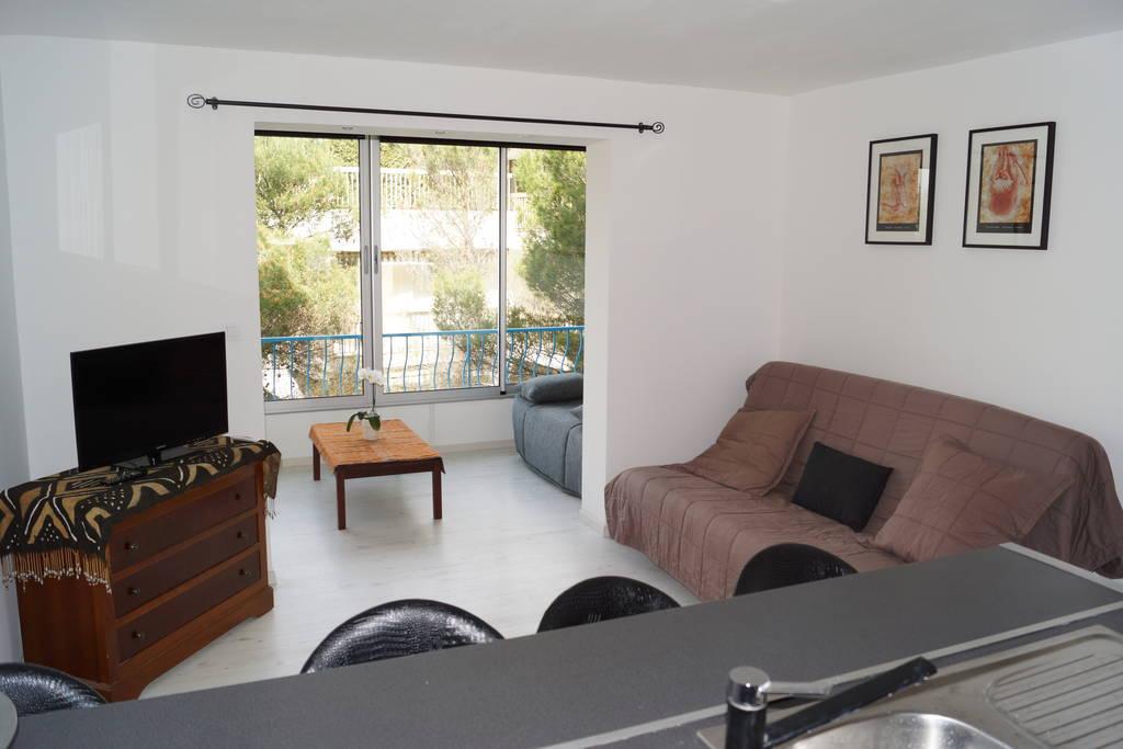 location meubl e studio 31 m cannes 06 31 m 680 e de particulier particulier pap. Black Bedroom Furniture Sets. Home Design Ideas