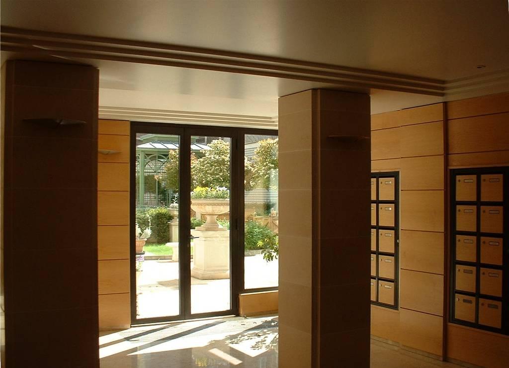 location appartement 2 pi ces 46 m levallois perret 92300 46 m e de particulier. Black Bedroom Furniture Sets. Home Design Ideas