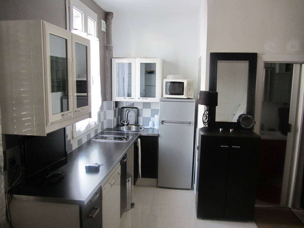 Location meubl e studio 20 m vincennes 94300 20 m for Location meuble vincennes