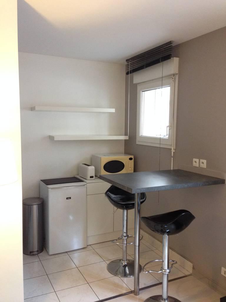 location meubl e appartement 2 pi ces 26 m levallois perret 92300 26 m 950 e de. Black Bedroom Furniture Sets. Home Design Ideas
