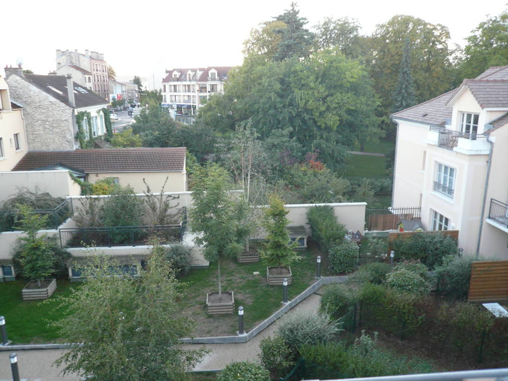 Location studio 45 m sartrouville 78500 45 m 720 e for Jardin 78500