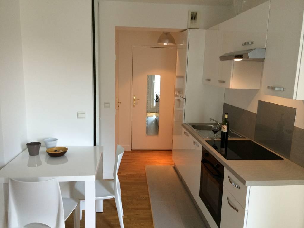 location meubl e studio 27 m issy les moulineaux 92130 27 m e de particulier. Black Bedroom Furniture Sets. Home Design Ideas