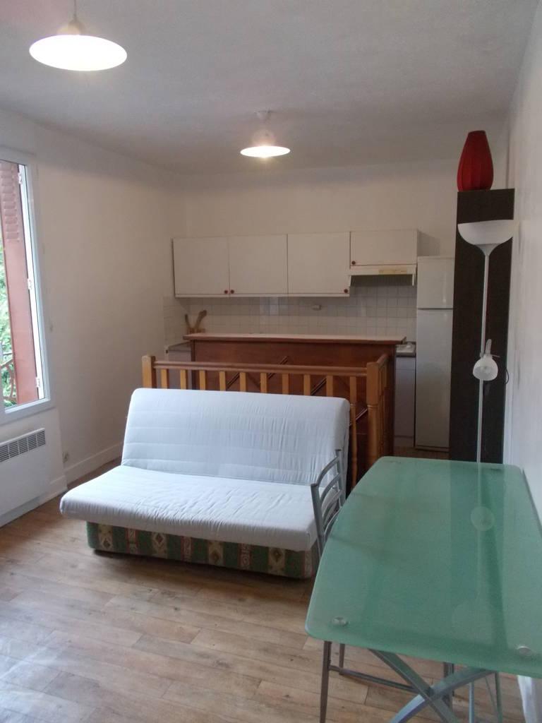 location meubl e appartement 2 pi ces 27 m rueil malmaison 92500 27 m 730 e de. Black Bedroom Furniture Sets. Home Design Ideas