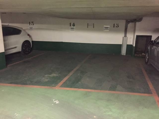 Location garage parking 10 m paris 14e 10 m 110 e for Location garage 14