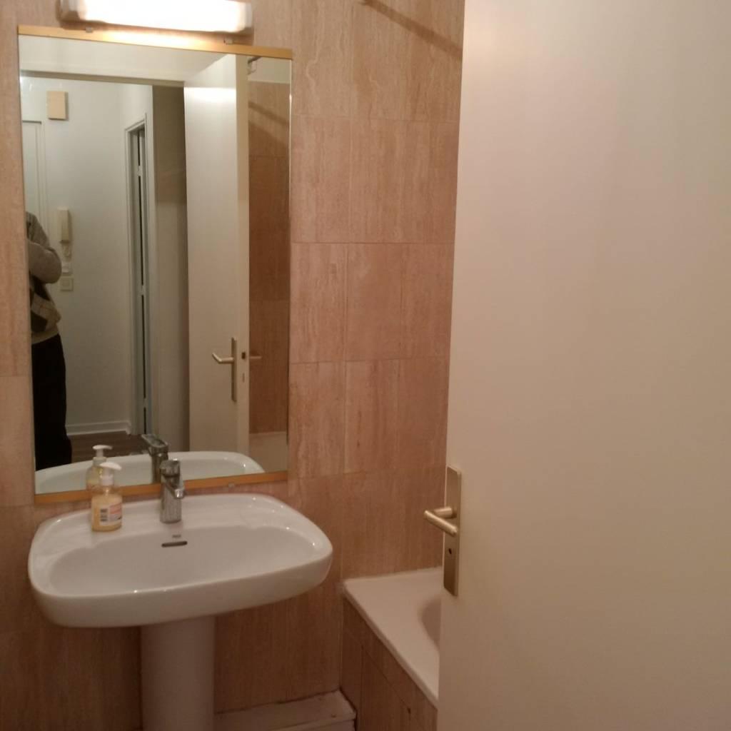 location studio 25 m paris 16e 25 m 860 e de particulier particulier pap. Black Bedroom Furniture Sets. Home Design Ideas
