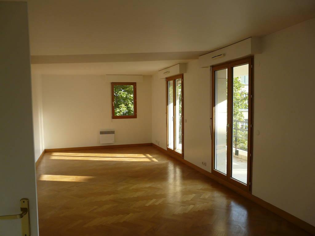 Location appartement 5 pi ces 104 m rueil malmaison for Appartement atypique rueil malmaison