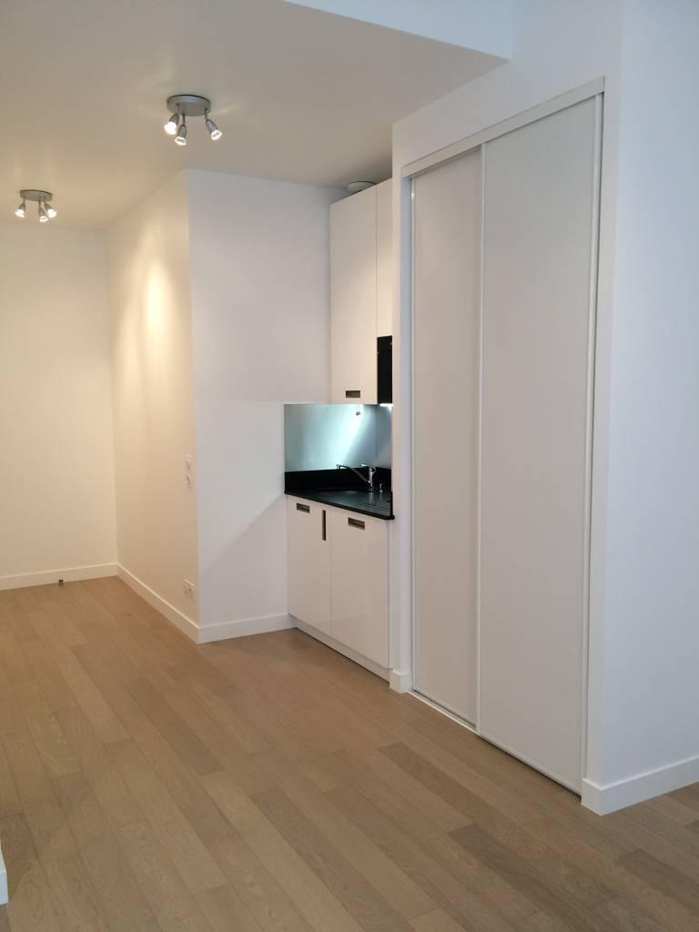 location studio 27 m levallois perret 92300 27 m 872 e de particulier particulier pap. Black Bedroom Furniture Sets. Home Design Ideas