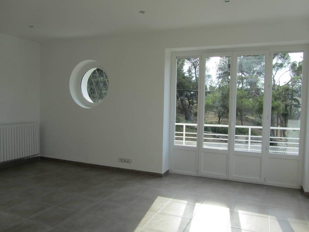 location appartement 4 pi ces 86 m nimes 30 86 m 980 e de particulier particulier pap. Black Bedroom Furniture Sets. Home Design Ideas