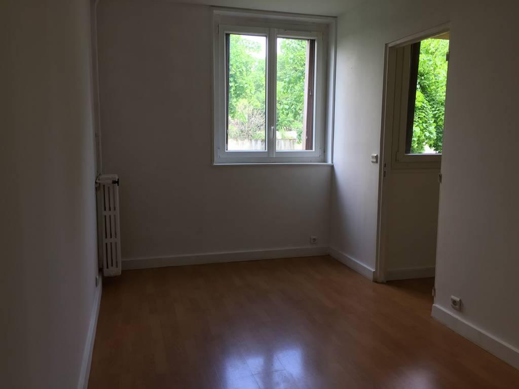 location appartement 2 pi ces 37 m creteil 94000 37 m 795 e de particulier. Black Bedroom Furniture Sets. Home Design Ideas