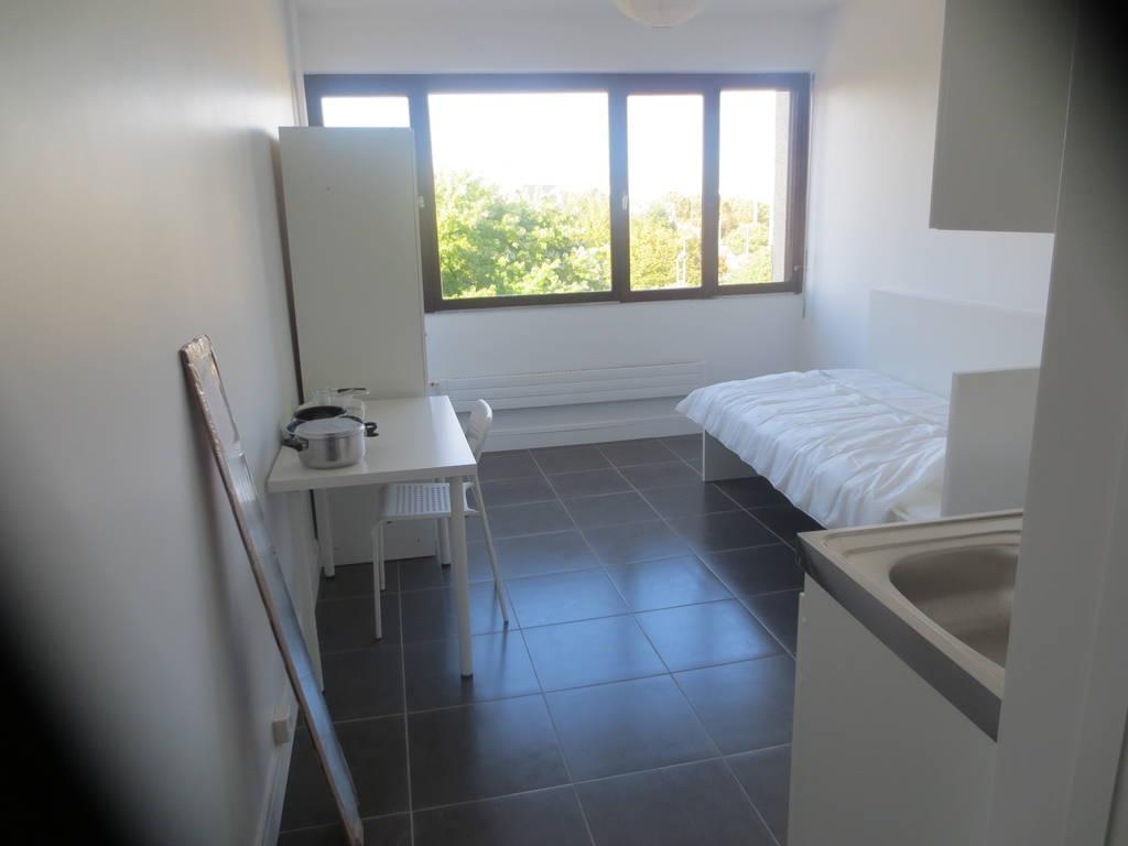 location meubl e studio 17 m creteil 94000 17 m 650 e de particulier particulier pap. Black Bedroom Furniture Sets. Home Design Ideas