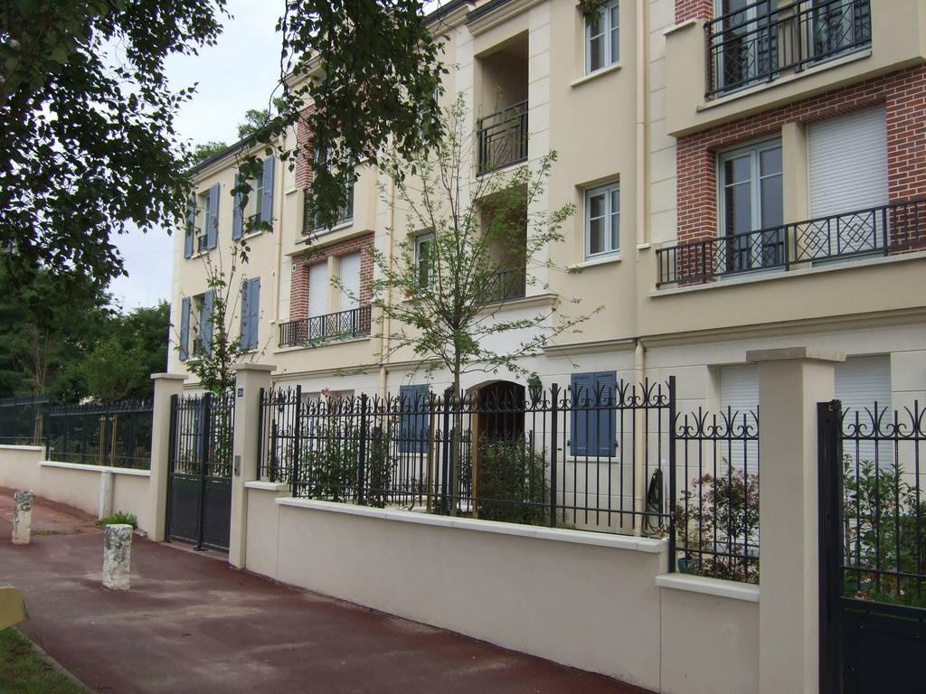 location appartement 5 pi ces 100 m saint germain en laye 78100 100 m e de. Black Bedroom Furniture Sets. Home Design Ideas