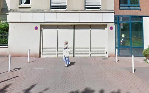Location garage parking montrouge 92120 100 e de for Location garage orleans particulier