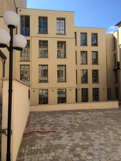 location meubl e studio 20 m versailles 78000 20 m 850 e de particulier particulier. Black Bedroom Furniture Sets. Home Design Ideas