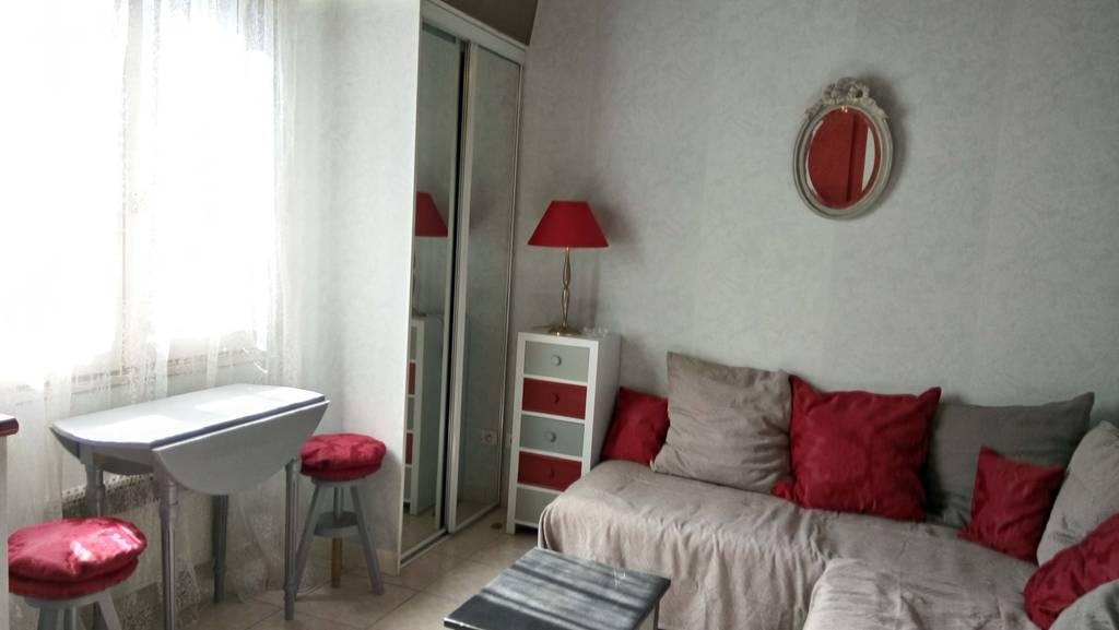location meubl e maison 16 m paris 6e 16 m 870 e de particulier particulier pap. Black Bedroom Furniture Sets. Home Design Ideas