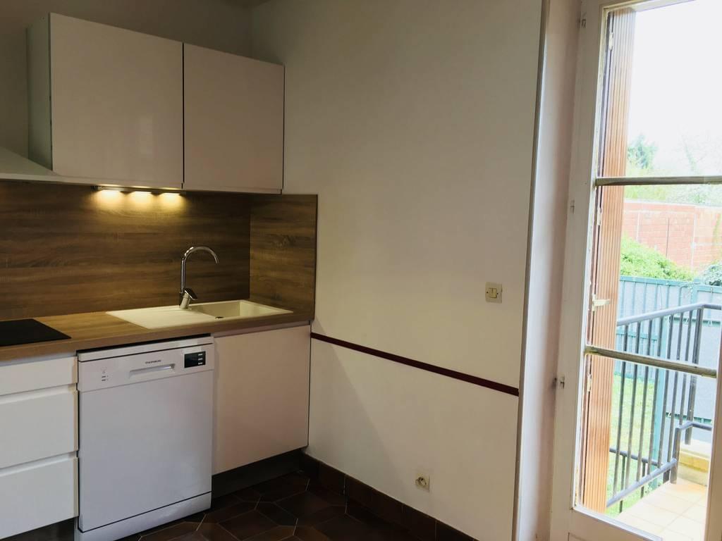 Location maison 75 m mantes la ville 78711 75 m 1 for Derriere la salle de bain
