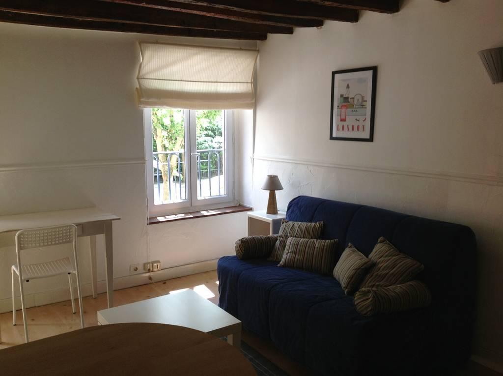 location meubl e studio 22 m saint germain en laye 78100 22 m 700 e de particulier. Black Bedroom Furniture Sets. Home Design Ideas