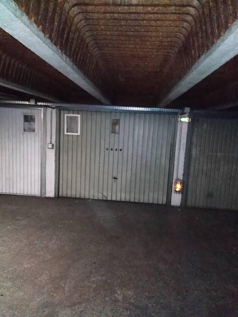 Location garage parking paris 18e 115 e de for Garage paris 18e