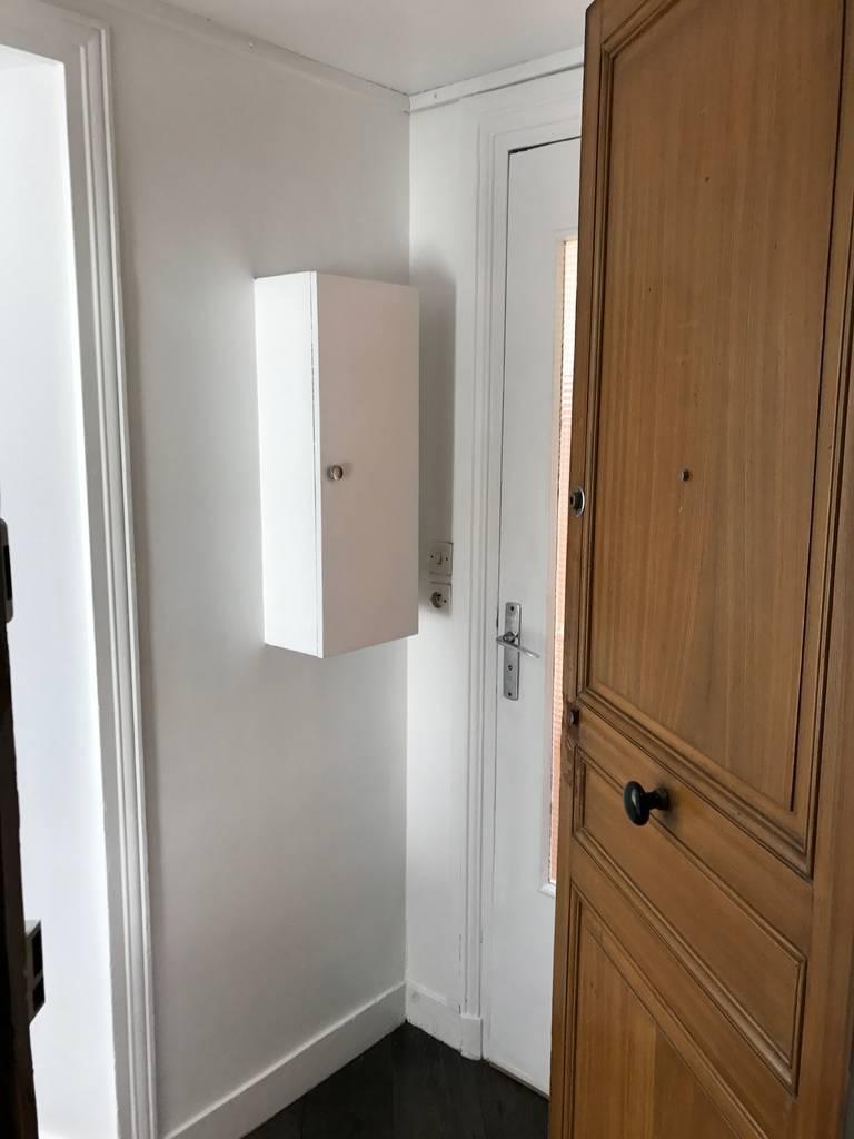 location meubl e studio 17 m paris 17e 17 m 690 e de particulier particulier pap. Black Bedroom Furniture Sets. Home Design Ideas