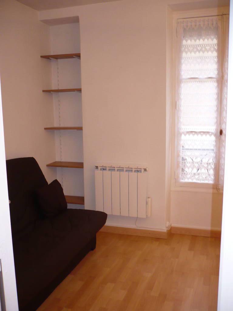 Location studio 20 m paris 15e 20 m 800 e de for Location appartement non meuble paris