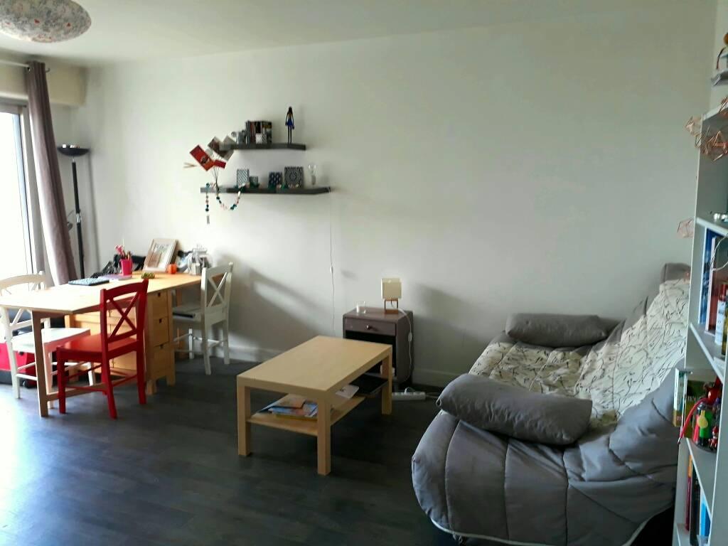 location studio 31 m reims 51100 31 m 450 e de particulier particulier pap. Black Bedroom Furniture Sets. Home Design Ideas