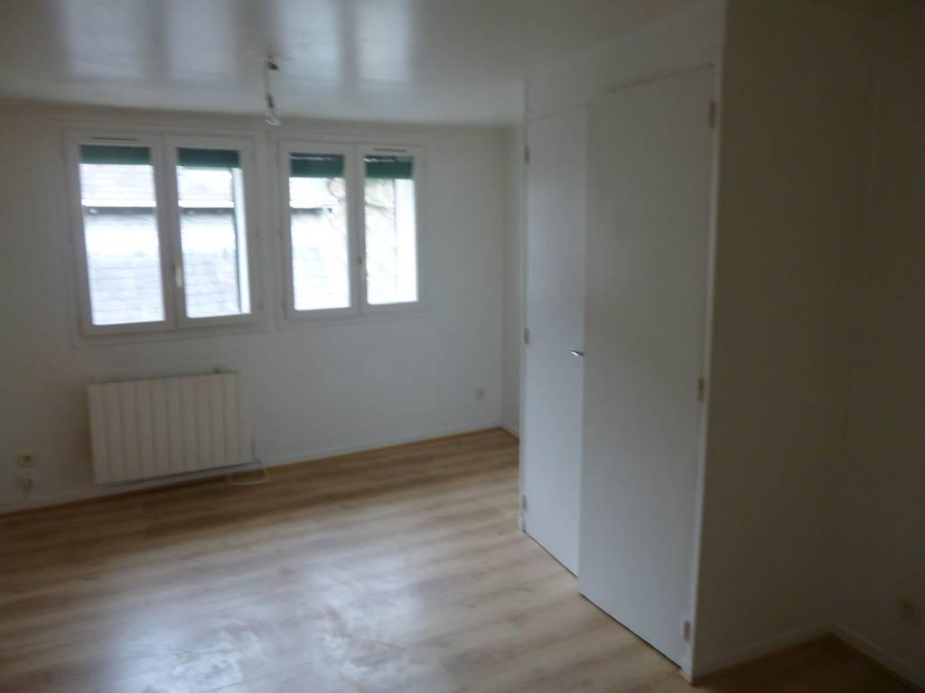 location studio 28 m rouen 76 28 m 430 e de particulier particulier pap. Black Bedroom Furniture Sets. Home Design Ideas