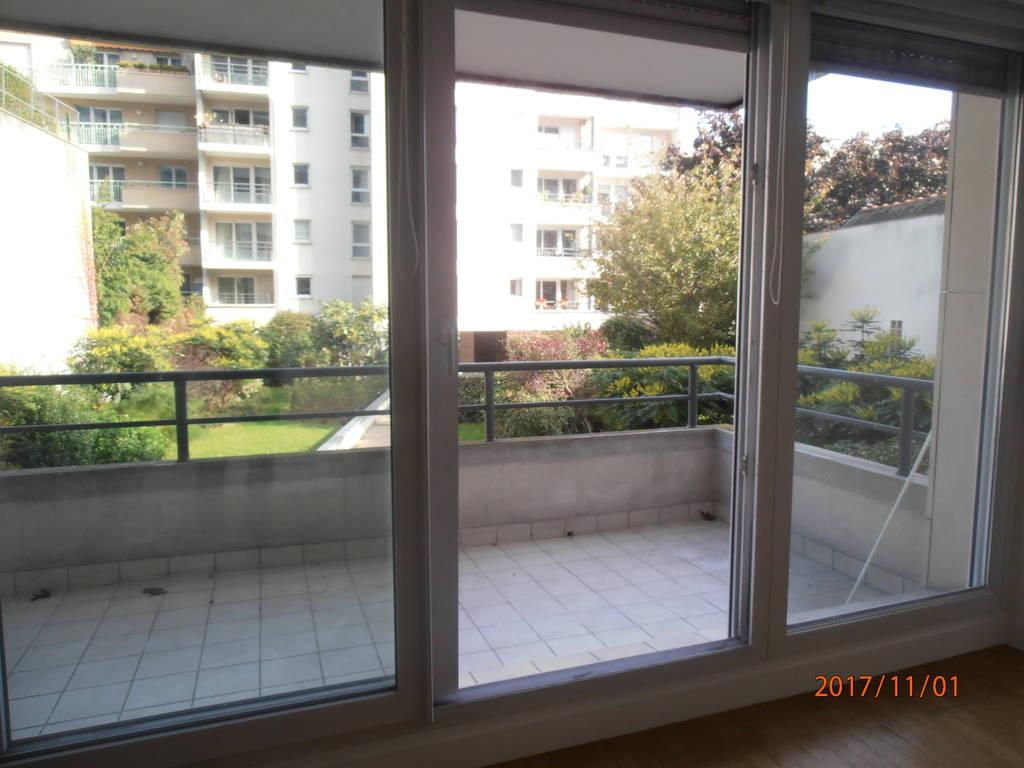 vente appartement 75011 terrasse. Black Bedroom Furniture Sets. Home Design Ideas