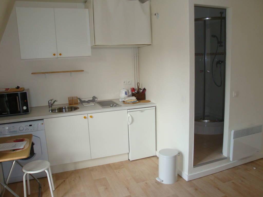 location meubl e studio 17 m paris 16e 17 m 760 e de particulier particulier pap. Black Bedroom Furniture Sets. Home Design Ideas
