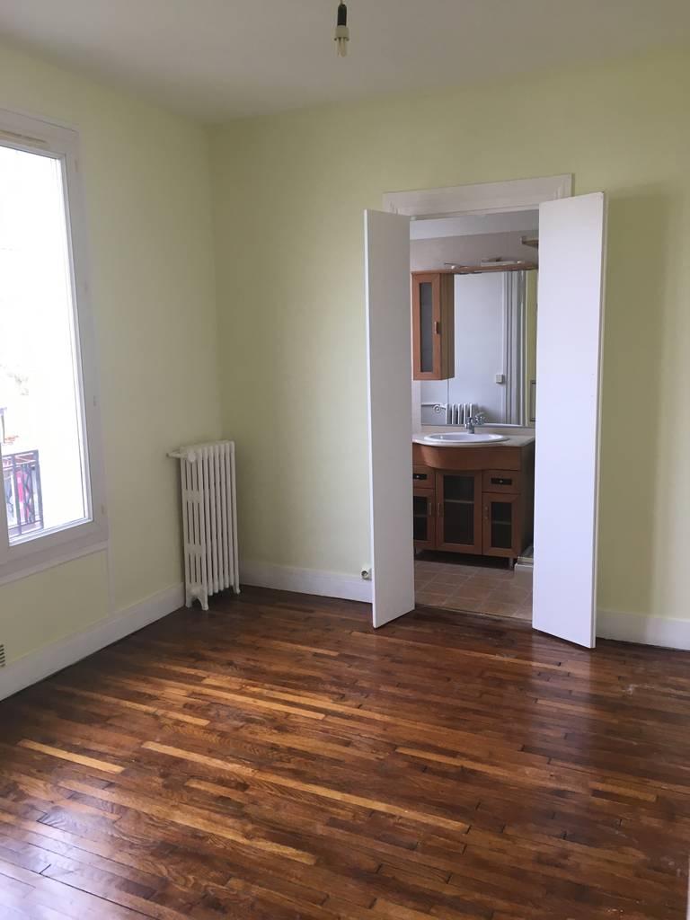 location appartement 2 pi ces 29 m montrouge 92120 29 m 870 e de particulier. Black Bedroom Furniture Sets. Home Design Ideas