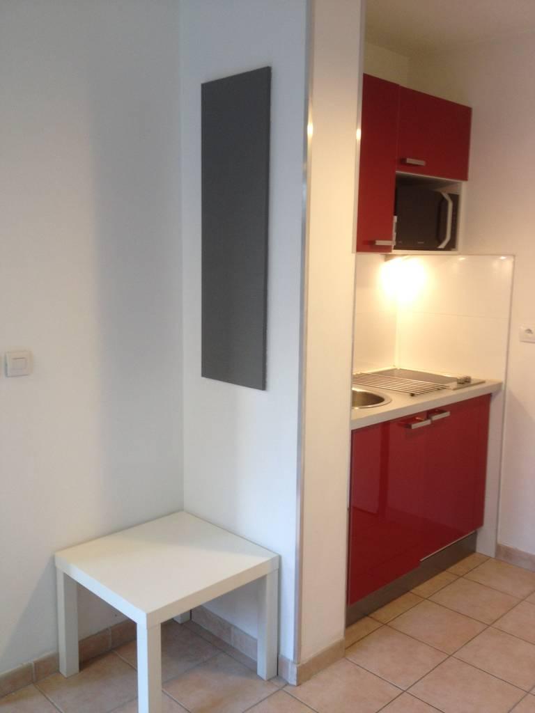 location meubl e studio 25 m marseille 8e 25 m 620 e de particulier particulier pap. Black Bedroom Furniture Sets. Home Design Ideas