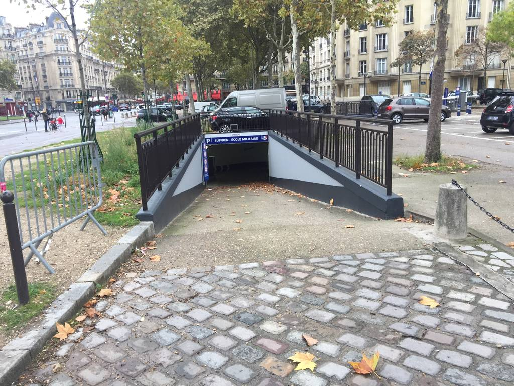Location garage parking paris 15e 150 e de particulier particulier pap - Location garage paris 15 ...