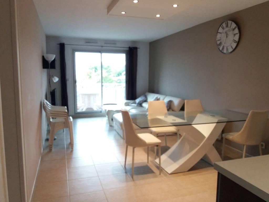 location meubl e appartement 3 pi ces 69 m nice 06 69 m e de particulier. Black Bedroom Furniture Sets. Home Design Ideas