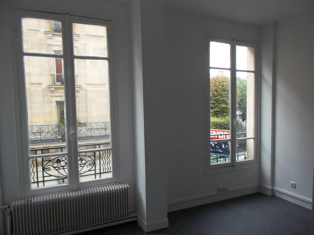 location studio 15 m levallois perret 92300 15 m 650 e de particulier particulier pap. Black Bedroom Furniture Sets. Home Design Ideas