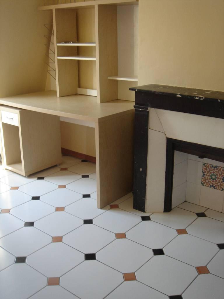 location studio 13 m paris 15e 13 m 590 e de particulier particulier pap. Black Bedroom Furniture Sets. Home Design Ideas