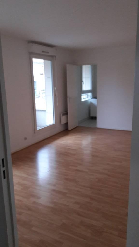 location appartement 2 pi ces 46 m asnieres sur seine 92600 46 m e de. Black Bedroom Furniture Sets. Home Design Ideas