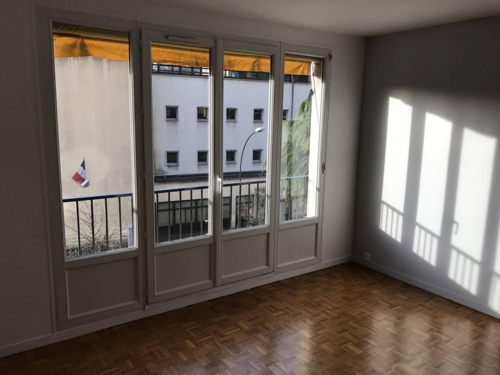 location appartement 3 pi ces 60 m saint germain en laye 78100 60 m e de. Black Bedroom Furniture Sets. Home Design Ideas
