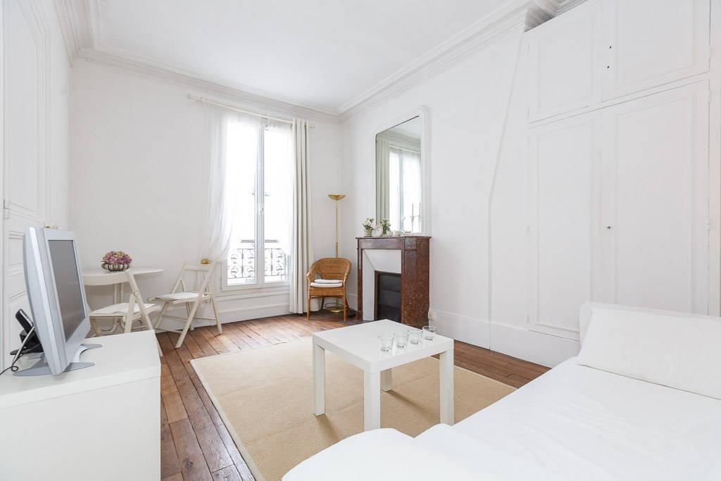 Location meubl e studio 25 m paris 17e 25 m e for Location meuble paris 17 particulier