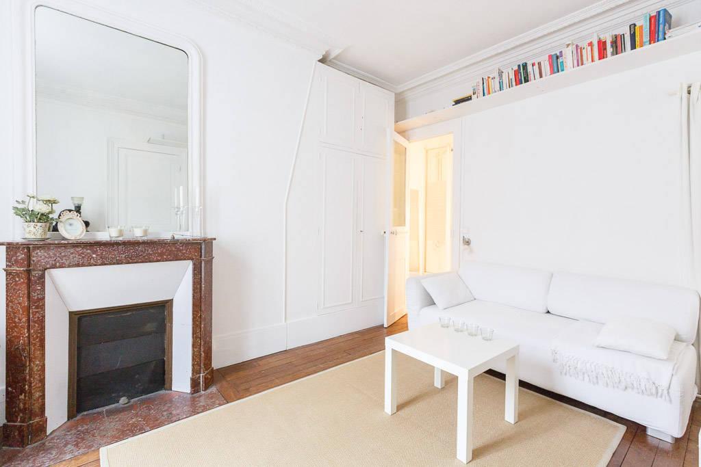 location meubl e studio 25 m paris 17e 25 m e de particulier particulier pap. Black Bedroom Furniture Sets. Home Design Ideas