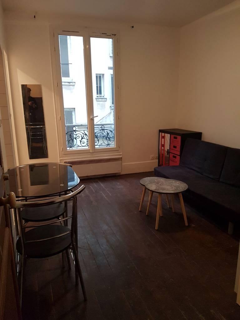 location meubl e studio 17 m paris 19e 17 m 730 e de particulier particulier pap. Black Bedroom Furniture Sets. Home Design Ideas